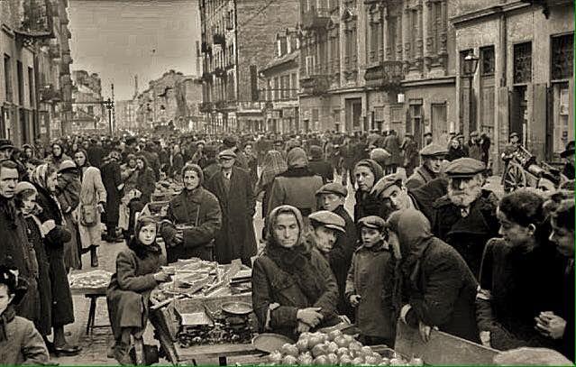 Smocza, 1941 r. https://web.facebook.com/1437545529847938/photos/a.1437823999820091.1073741828.1437545529847938/1758057467796741/?type=3&theater