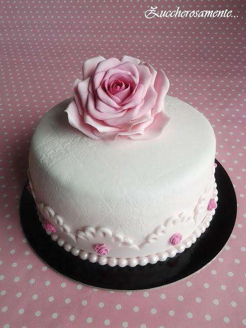 Zuccherosamente...: Torta vintage con rosa