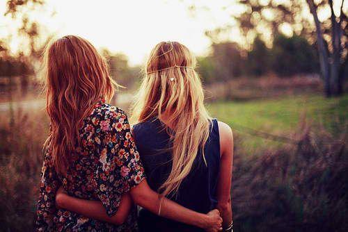 Girl Friends.. best friend senior picture idea!