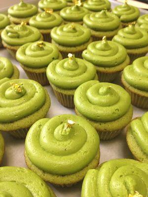 ShowFood Chef: Matcha Green Tea Cupcakes with Matcha Green Tea Butter Frosting