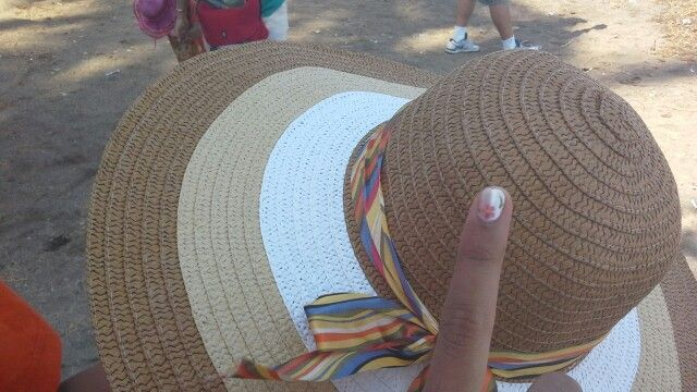 Got a new hat and new nail art XD
