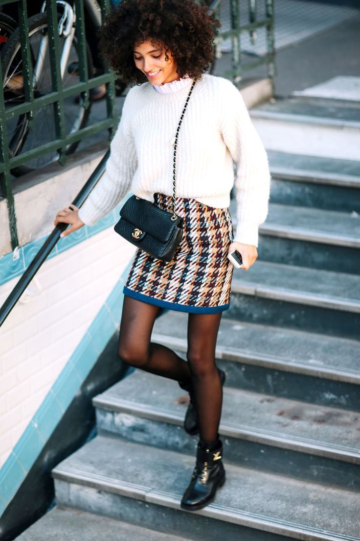 Styling Tips>> sheer tights with flat boots