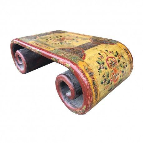 Table basse tibétaine à rouleau en bois massif ancien. Dimensions : L116 x P60 x H40 cm. Origine : TIBET. Frais ecotax inclus. Rêve d'Asie. Suisse.