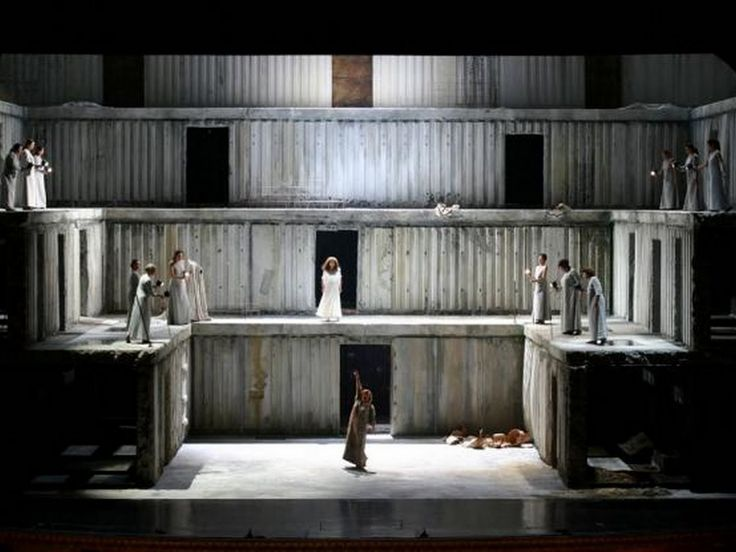 Elektra at the Teatro Real de Madrid (shared with Teatro San Carlo, Naples). Production by Klaus-Michael Grüber. Sets  costumes by Anselm Kiefer.