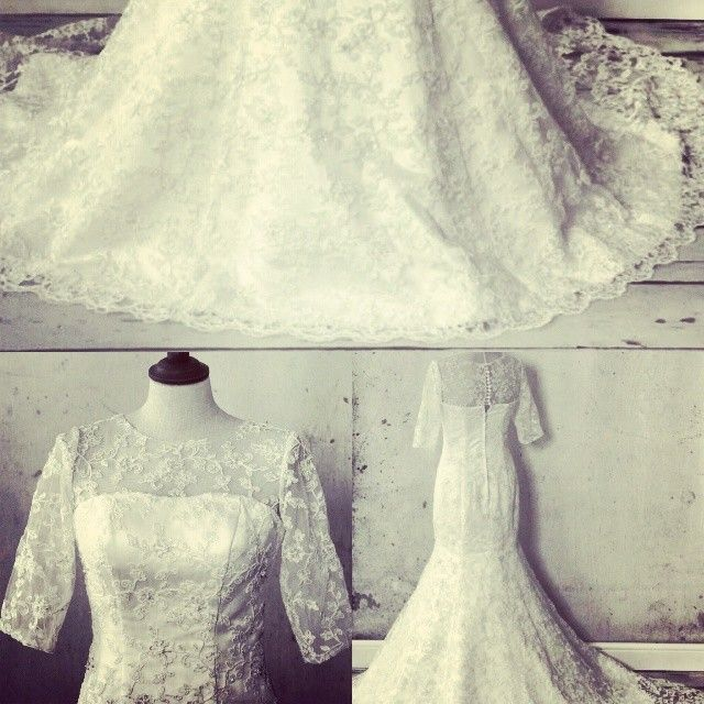 Sleeved dresses are perfect for a winter wedding! Just like this one. The De Carlo. http://www.viva-bride.com/gallery-vintage.html