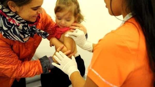 Vacuna antigripal: buscan que los grupos de riesgo se la apliquen antes de que circule el virus  Si bien el virus de la gripe todavía no empezó a circular, este es el momento de protegerse. La campaña de vacunación antigripal está en marcha ... http://sientemendoza.com/2017/04/04/vacuna-antigripal-buscan-que-los-grupos-de-riesgo-se-la-apliquen-antes-de-que-circule-el-virus/
