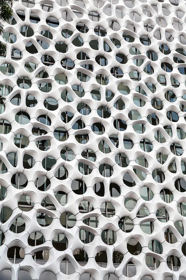 Fighting Mexico City's Pollution with Mega Panels - Berlin-based design studio Elegant Embellishments' sculptural, completed a bad-air-busting façade across the city's Manuel Gea Gonzalez Hospital