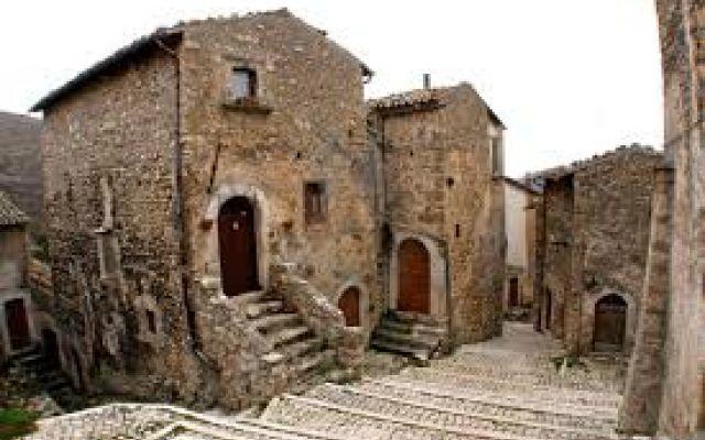 Borghi abbandonati o quasi: case in vendita ad 1 euro #borghi #abbandonati #vendita #case #1 #euro