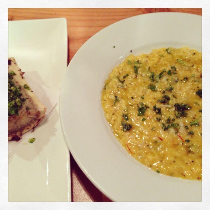 Risotto alle zafferano, midollo osseo e gremolata Saffron risotto with bone marrow and gremolata Try something new!!