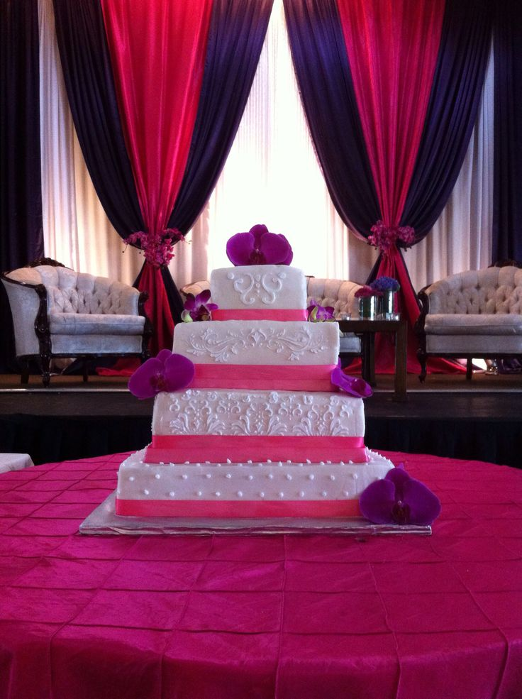 4 tiered square wedding cake - white cake with damask buttercream icing decoration