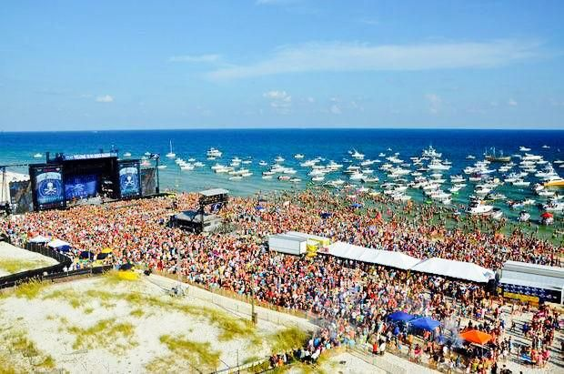 Kenny Chesney Over 40,000 of you came out to FloraBama today. What a moment. no shoes nation August 16, 2014