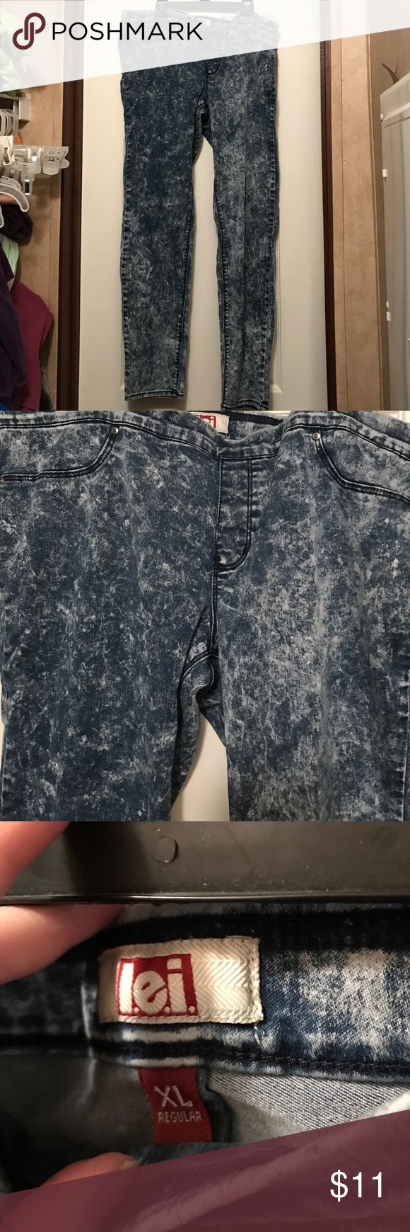 lei stretch jeans size XL EUC, worn once, lei XL stretch jeans l.e.i. Jeans