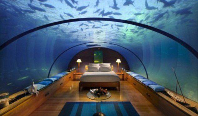まるで海の中にいるみたい…というよりもむしろ、ホテルは本当に海の中にある?一度は宿泊してみたい、世界の驚きのホテルをご紹介します。