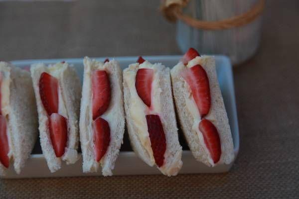 Strawberries & Cream sandwiches