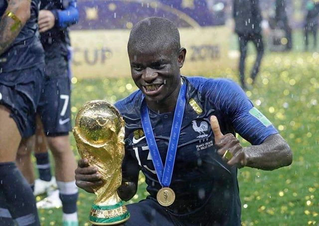 Nzonzi Had To Ask The French Players To Let Him Touch The Trophy Since Kante Was Too Shy To Ask For It Such A Humble Guy Lionel Messi World Cup World