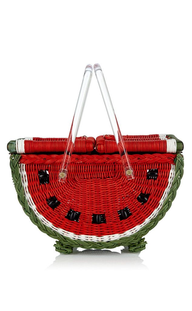 This is an interesting tote. This is more of a picnic basket than a tote, but you can be the judge. We pinned this because it looks tropical, but not sure it functional as a tote.