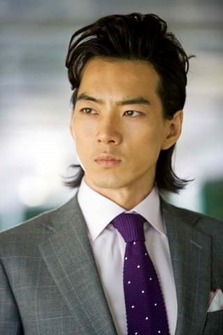 Song Il Gook is too handsome. He's so different when he's with his kids!!!