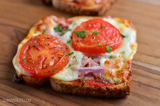 Slimming Eats Pizza Toasts - vegetarian, Slimming World and Weight Watchers friendly