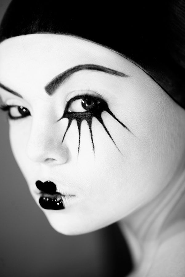 Cool black and white makeup #face #makeup