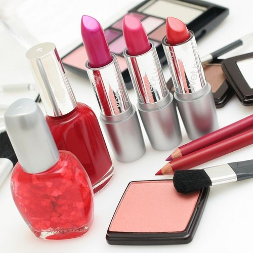 cosmetice online - cadouri pentru Ziua Indragostitilor la makeupcenter.ro