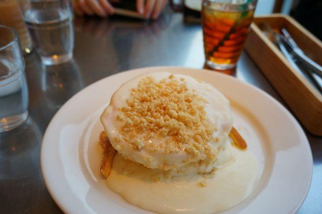 レインボーパンケーキ - 料理写真:マカダミアナッツソース