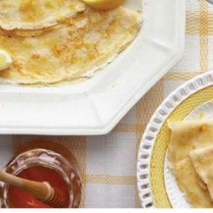 Κρέπες με κρέμα γάλακτος, μέλι και ξύσμα λεμονιού