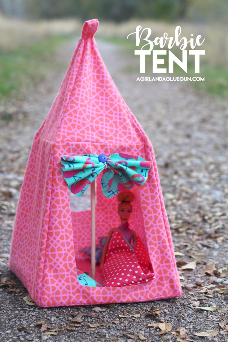Did your kid get a new doll? Make 'em one of these: #DIY Barbie Tent #Pattern -->
