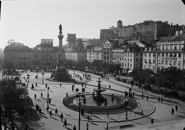 Rossio, Lisboa, Portugal Praça D. Pedro IV. Fotógrafo: Estúdio Horácio Novais. Fotografia sem data. Produzida durante a actividade do Estúdio Horácio Novais, 1930-1980.