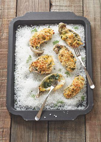 Receta para preparar ricos ostiones a la rockefeller, para lucirte en la cocina ¡Todos van a querer! Revista Cocina Vital tiene muchas recetas para ti.