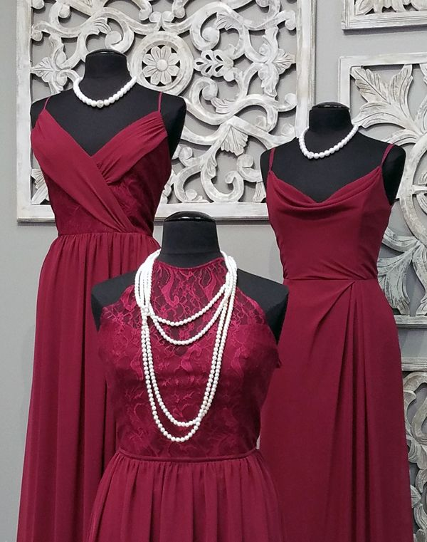 Looking for that perfect wine color, the Hayley Paige Occasions bridesmaids Burgundy color is the perfect match for what you are looking for. These 3 styles in the Burgundy color are in chiffon with lace accents that will fit with any of your bridesmaids personalities. Left Back; Style, 5612 in the Burgundy color and in …