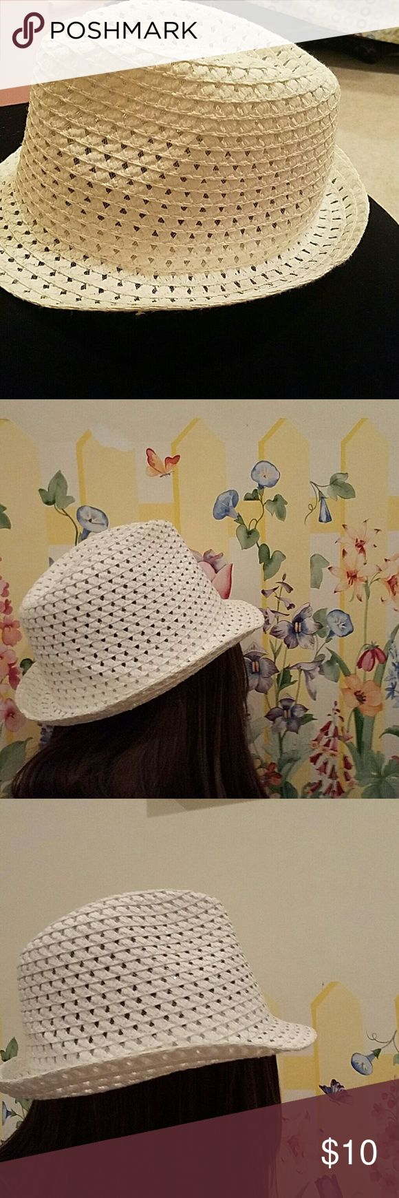 White fedora hat White, woven look Accessories Hats