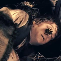 Bilbo wakes up to a bee on his nose..... His facial expression is priceless!