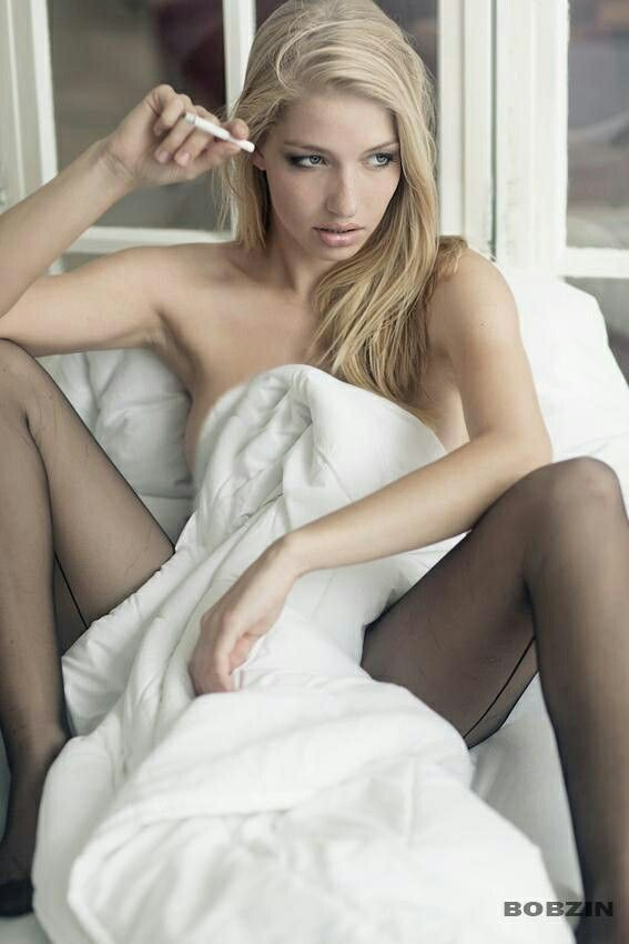 Alexis bledel pantyhose