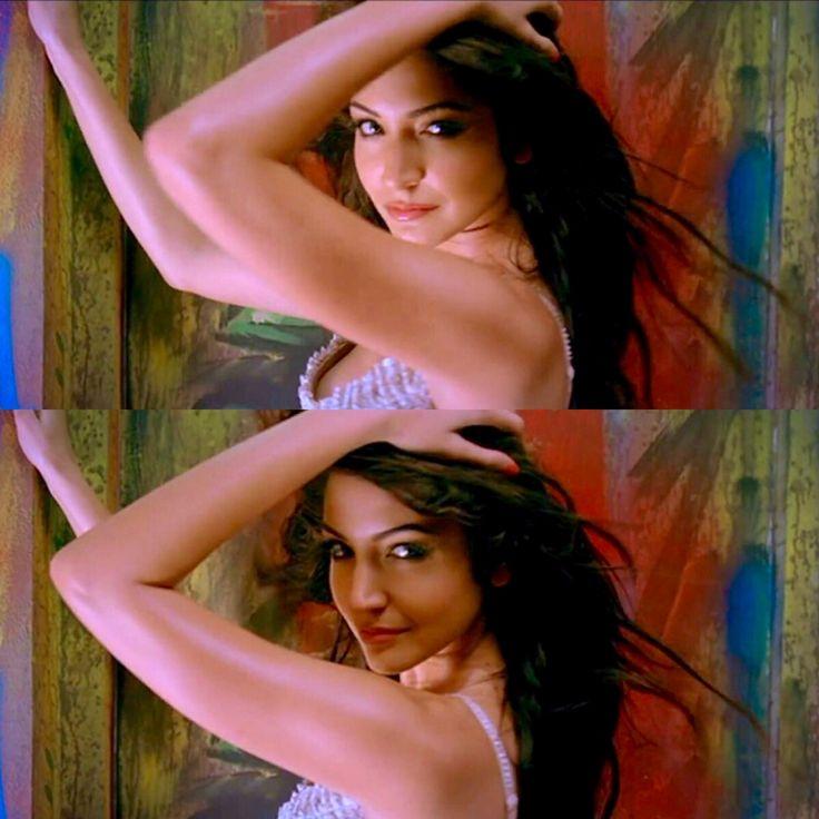 Anushka Sharma in Ladies vs Ricky Bahl