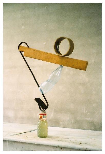 evenwicht / meetkunde / WO / beelden  Peter Fischli David Weiss Equilibres