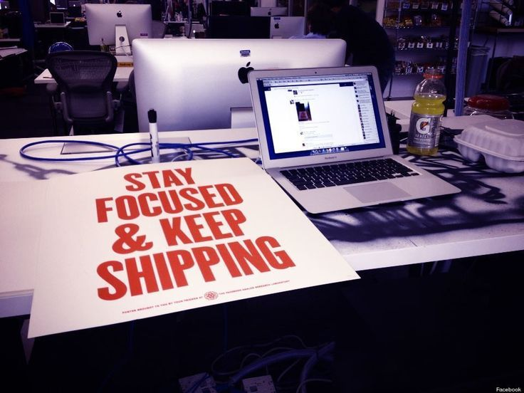 Mark Zuckerberg's Desk: Facebook Founder Posts Photo Following IPO Announcement (PHOTO)