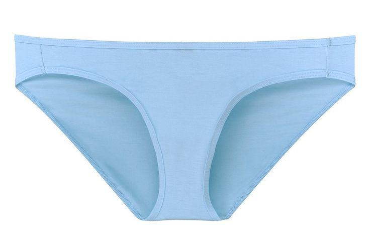 3. BIKINI  Keunggulan celana dalam tipe bikini ialah potongannya yang menutupi bokong secara sempurna. Celana dalam tipe bikini cocok digunakan ketika Anda sedang melakukan aktivitas yang tinggi.