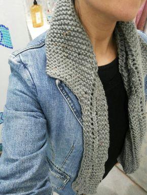 Boa tarde meninas  Estou adorando esta golinha que ganhei de presente da minha mãe, ela sabe que não sei fazer tricô, mas adoro a sua male...