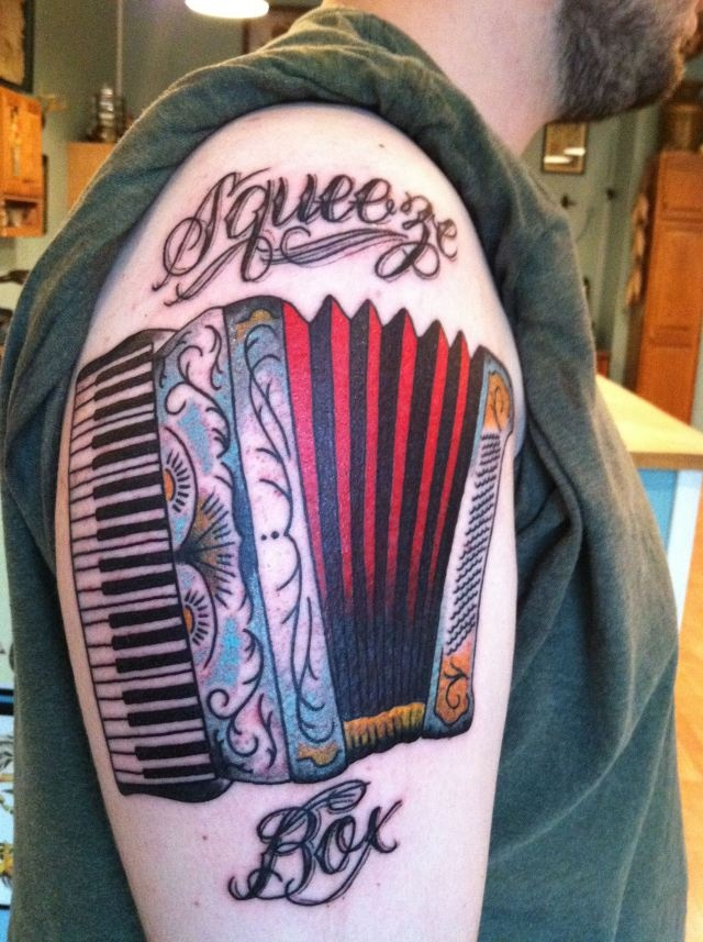 23 best images about accordions on pinterest festivals kevin o 39 leary and textiles. Black Bedroom Furniture Sets. Home Design Ideas