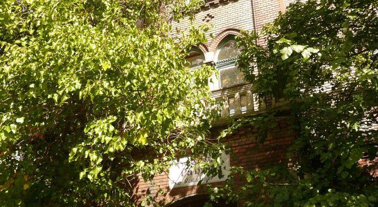 €13 Dominik Panzió is op 800 meter afstand van het stadspark te vinden. Dit hotel is gevestigd in pand uit de 19e eeuw dat voorheen bij de kerk ernaast hoorde.
