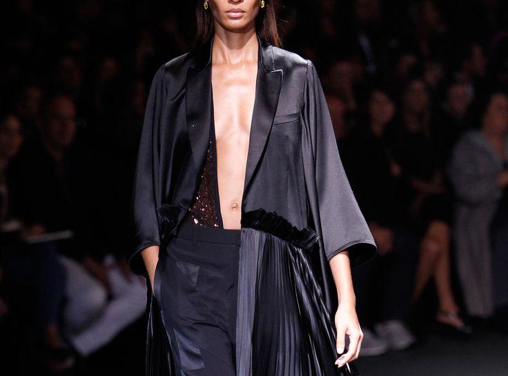 2014 İlkbahar Yaz Moda Trendleri: Pileler - http://pemberuj.net/arsiv/112193/2014-ilkbahar-yaz-moda-trendleri-pileler/