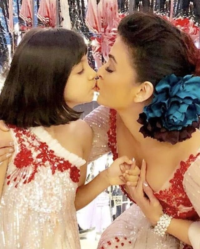 Aishwarya With Her Daughter Aaradhya Bachchan Most Beautiful