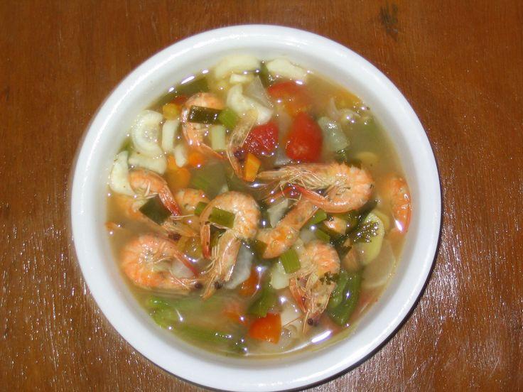 Philippinisches Essen, Shrimp-Sinigang fertig zum Verzehr                                                                                                                                                                                 Mehr