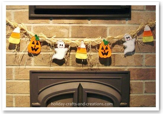 Google Image Result for http://www.holiday-crafts-and-creations.com/images/Homemade_halloween_decorations1.jpg: Diy'S Tutorials, Halloween Idea, Halloween Crafts, Felt Patterns, Halloween Garlands, Felt Garlands, Felt Templates, Crafts Decoration, Homemade Halloween Decoration