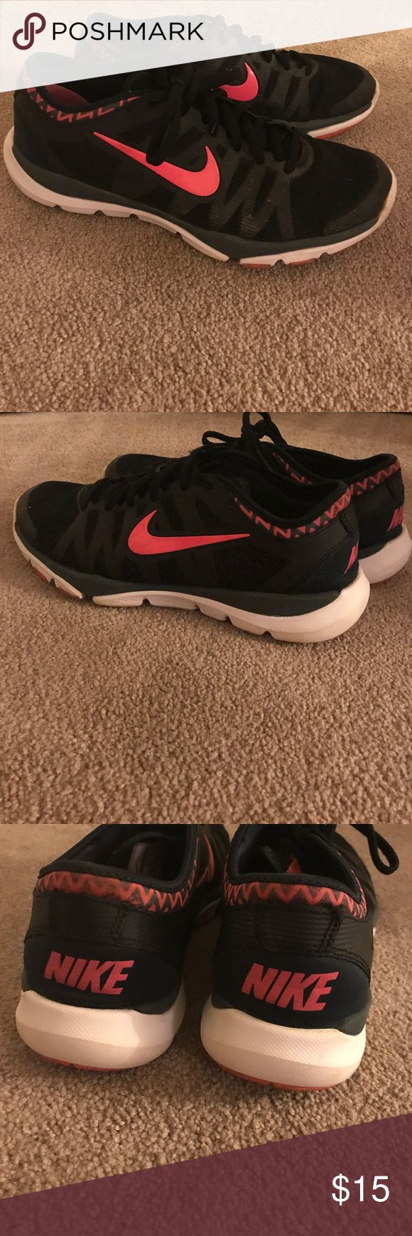 Nike Training Chevron Shoe 8.5 Used but in good condition Nike Shoes Sneakers