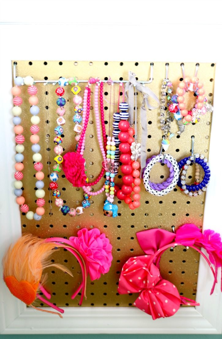 The perfect Christmas gift, DIY Girls jewelry Board.