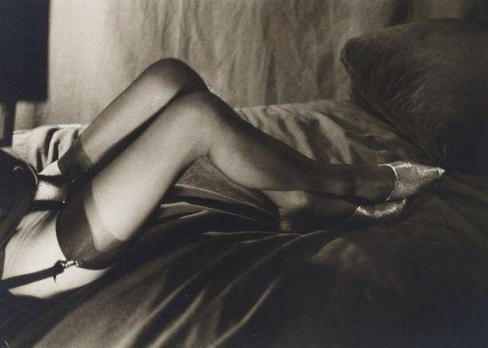 PIERRE MOLINIER (1900-1976)Mes jambes, c.1967.Tirage d'époque sur papier argentique