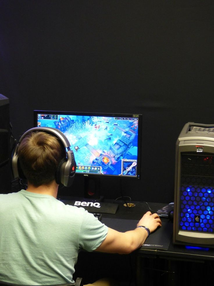 His favorite games, the ones he recommends for people starting out, and what he thinks is the best place to play online #autism - THE NAVIGATOR'S RECOMMENDED VIDEO GAMES