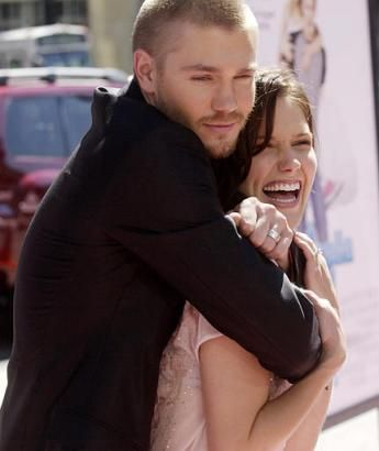 Day 7:  Favorite Cast Friendship.  Chad Michael Murray and Sophia Bush.  Okay, I know they're not together anymore, but still.  Pretty much a totally cute couple.  I wish they would have stayed married, but they do have personal lives haha.  Anyways...this is the only one I could think of so.  Tada.