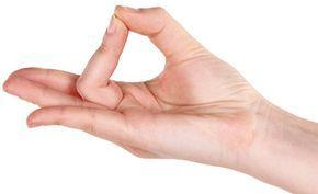 (Zentrum der Gesundheit) – Jin Shin Jyutsu ist eine japanische Heilkunst und wird auch Heilströmen genannt. Man legt die Hände auf bestimmte Energiepunkte des Körpers mit dem Ziel, Energieblockaden zu lösen. Mit dem Heilströmen Jin Shin Jyutsu aktivieren Sie die Selbstheilungskräfte Ihres Körpers und können sich selbst – jeden Tag und überall – Wohlgefühl und eine bessere Gesundheit schenken. Das Heilströmen Jin Shin Jyutsu ist leicht zu erlernen und kann auch von Kindern angewendet werden.